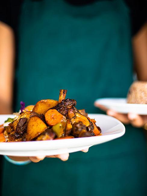 Zbliżenie na danie kuchni karaibskiej