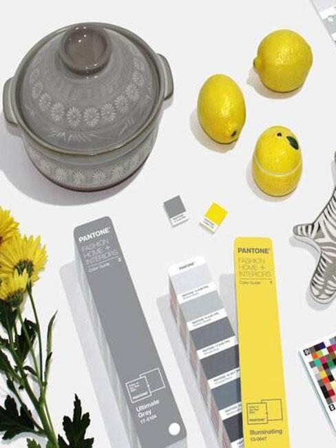dekoracje w kolorze żółtym i szarym