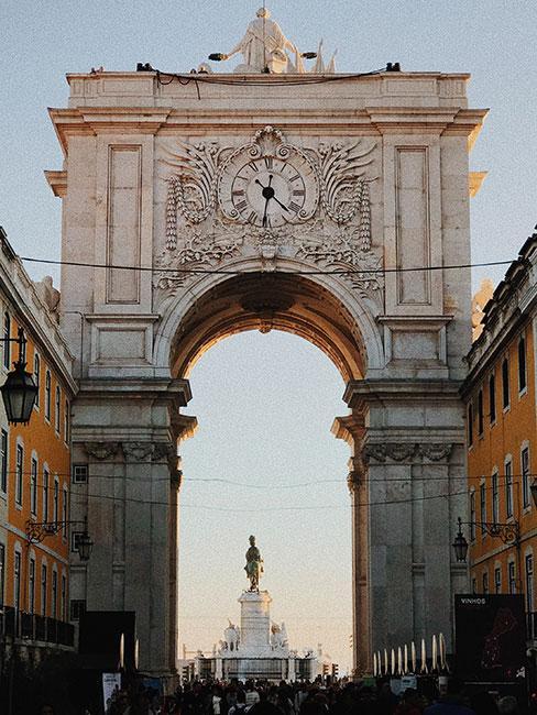 Brame wejściowa do Placu Comercio w Lizbonie