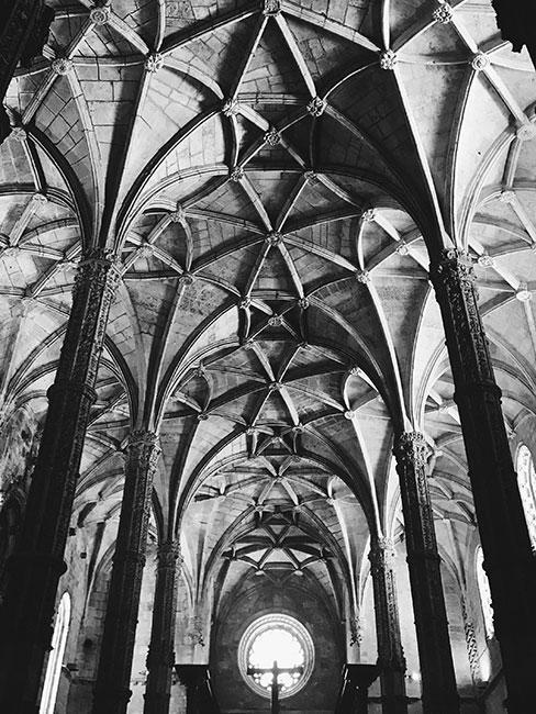 Wnętrze klasztoru Hieronimitów w Lizbonie