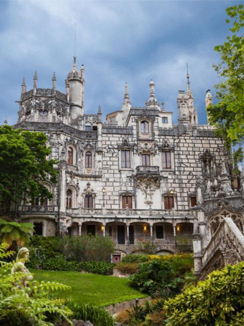 Quinta da Regaleira w Sintrze w Portugalii