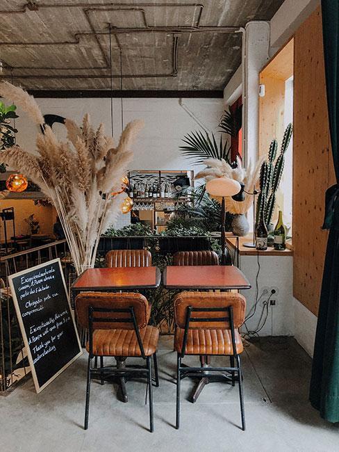 Wnętrze kawiarni Seagull Method Cafe w Lizbonie