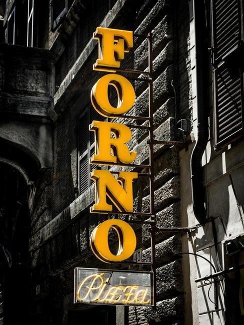 Neon w Rzymie
