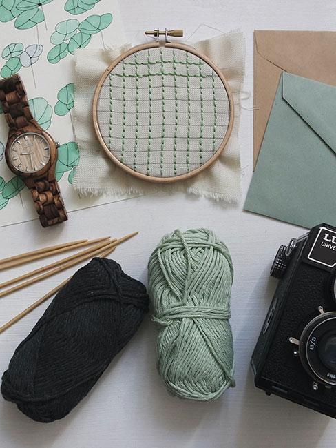 Materiały do szydełlowania, haftowania i fotografii