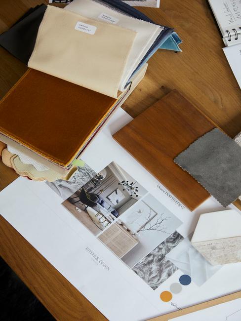 Zdjęcie drewnianego biurka z projektem wnętrza stworzonego przez Westwing
