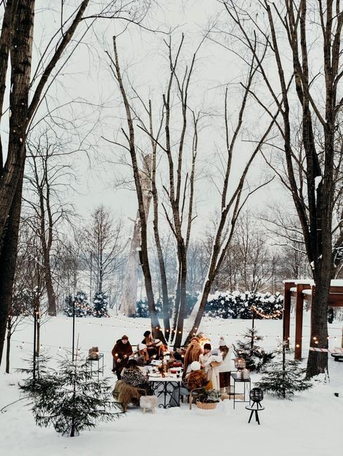 ognisko na zimowym garden party