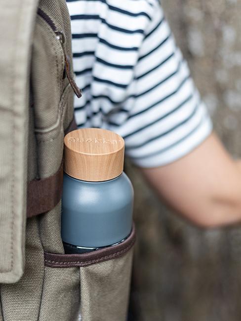Butelka ekologiczna w plecaku dziecka