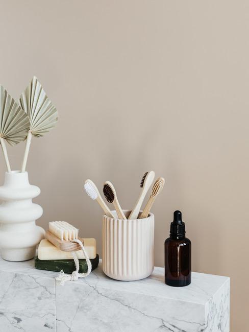 Kubek na szczoteczki i pojemnik na mydło