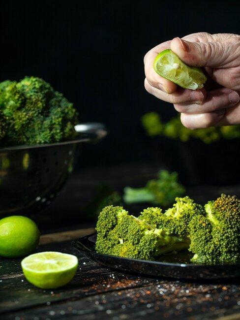 Brokuły z dodatkiem limonki