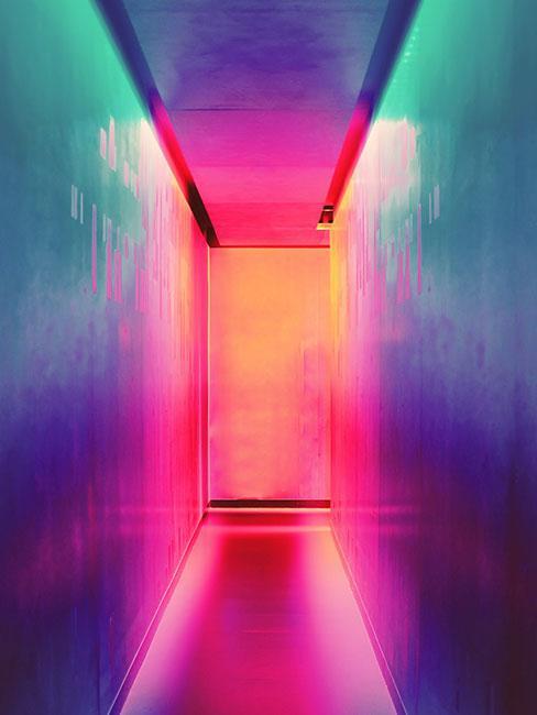 Neonowy korytarz