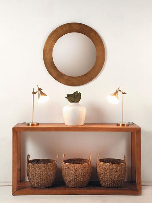 brązowa ławka w stylu wabi sabi