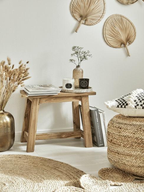 Drewniane akcesoria i kosze do przedpokoju w stylu skandynawskim