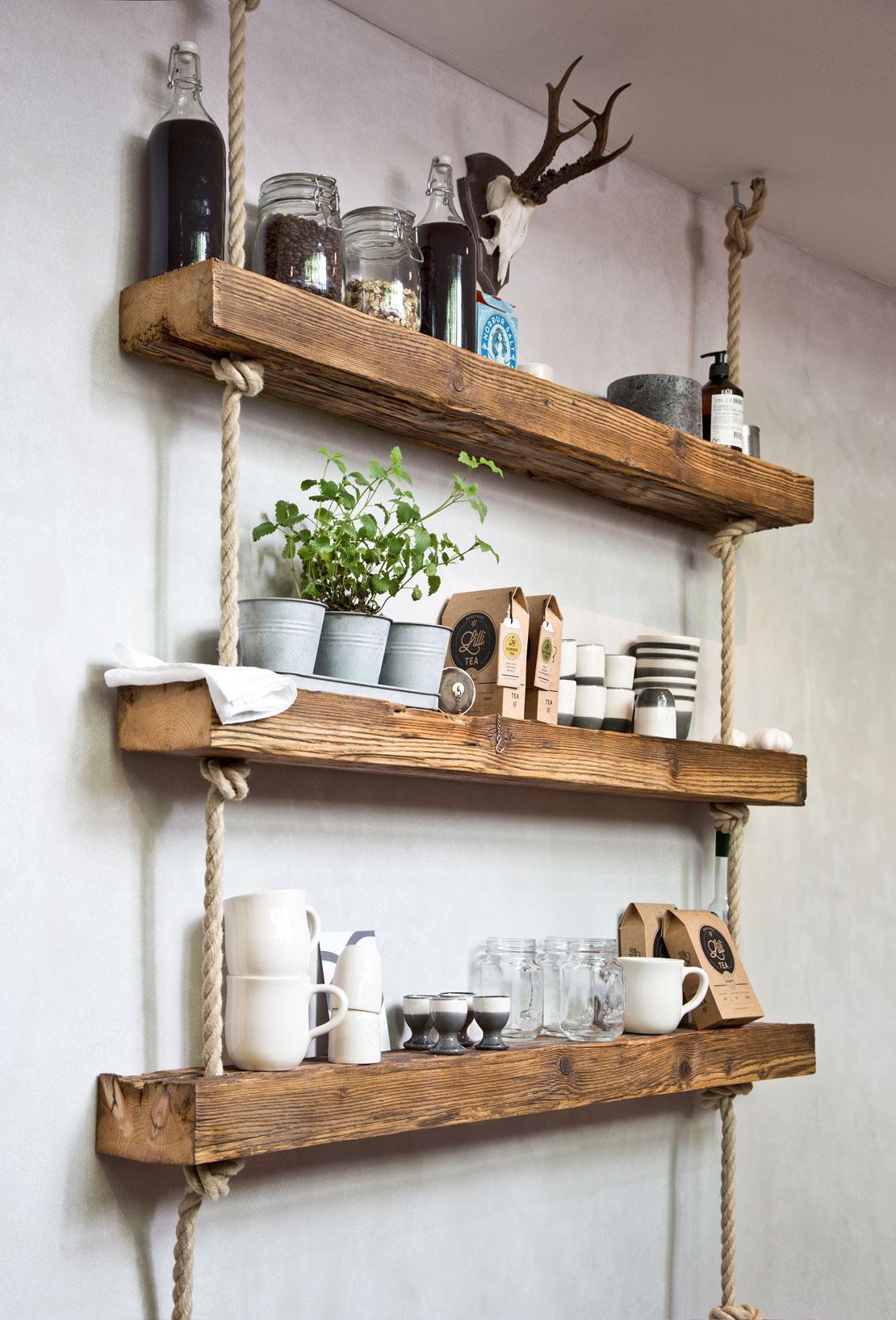 półki kuchenne w stylu industrialnym