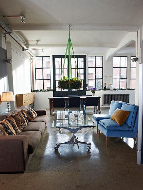 przestronny apartament z salonem i jadalnią w sytlu loftowym