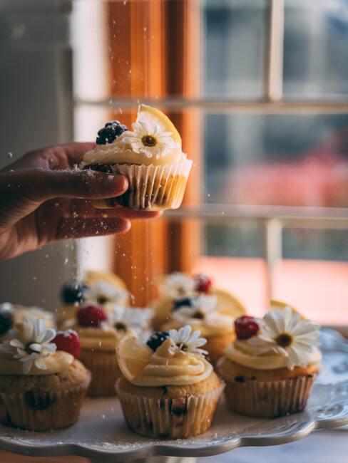 Muffinki z wiosennymi ozdobami