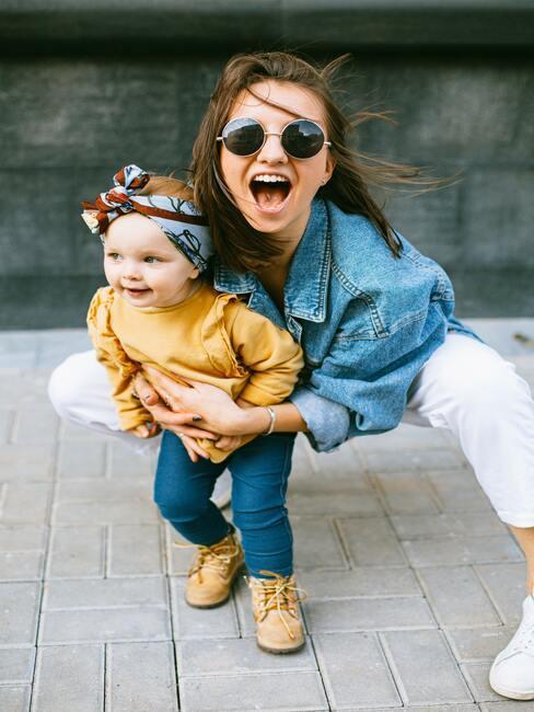 Życzenia na Dzień Dziecka: siostry