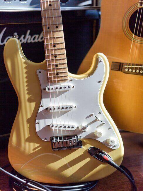 Gitara elektryczna jako prezent na komunię dla dziewczynki