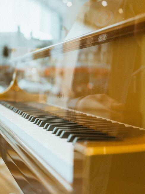 Pianino - muzyczny prezent na komunię