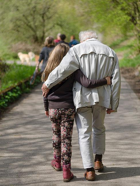 Wnuczka z dziadkiem
