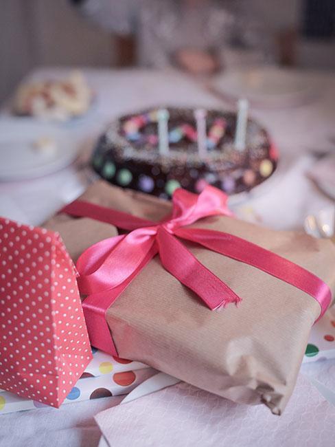 Różowy prezent na 25 urodziny