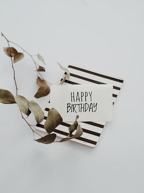 Czarno biała kartka urodzinowa na białym tle