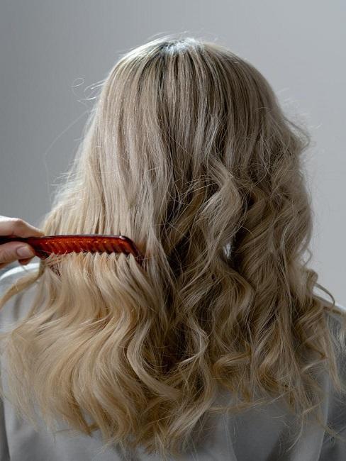 Kręcone włosy metodą curly hair method