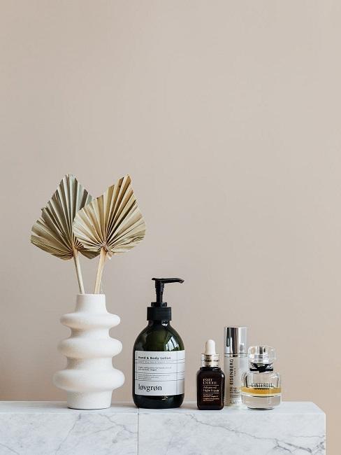 Mydło i i inne kosmetyki w łazience