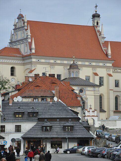 Widok na budynki w Kazimierzu Dolnym