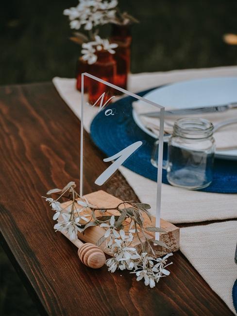Ozdoby na stole ślubnym