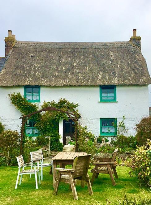 rustykalnym dom na wsi w stylu cottage