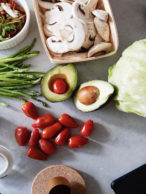Awokado i inne warzywa idealna na post przerywany