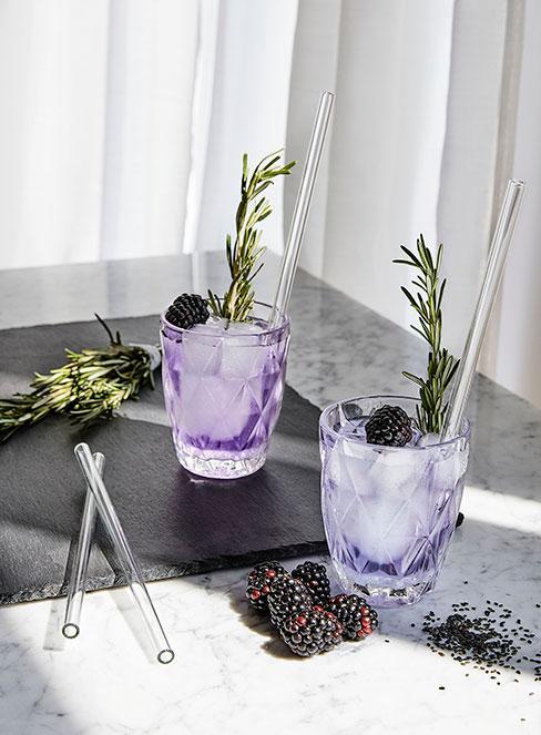 Drinki z ginem i jeżynami