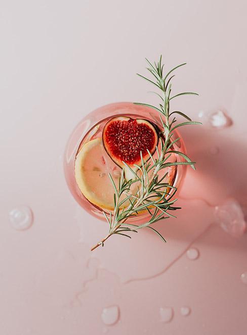 Drinki z ginem i rozmarynem