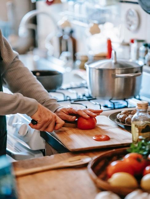 Pomidory przyrządzane w kuchni