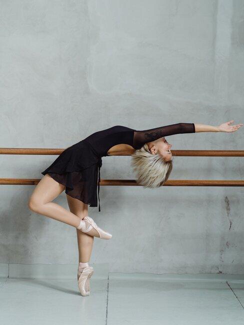 Kobieta ćwicząca balet