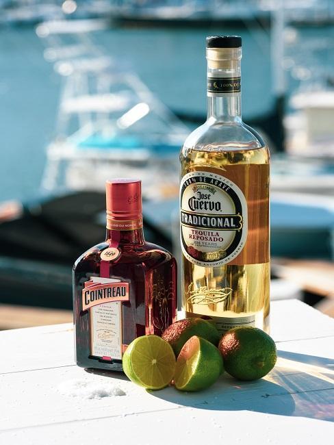 Tequila na stolę z limonką