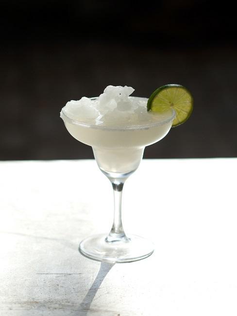 Jak pić tequilę: margarita przyozdobiona limonką