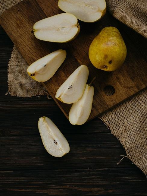 Pokrojone gruszki na przetwory z gruszek