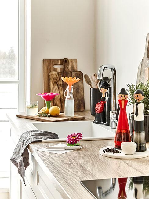 kolorowe ekcentryczne akcesoria kuchenne w kolorach jesieni