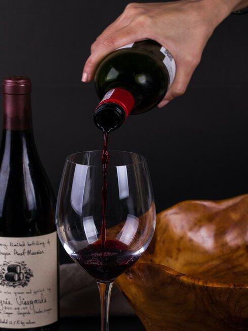 Wino burgund nalewane do kileiszka