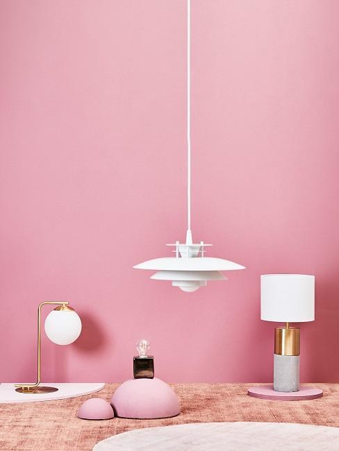 Ściana w kolorze pudrowego różu