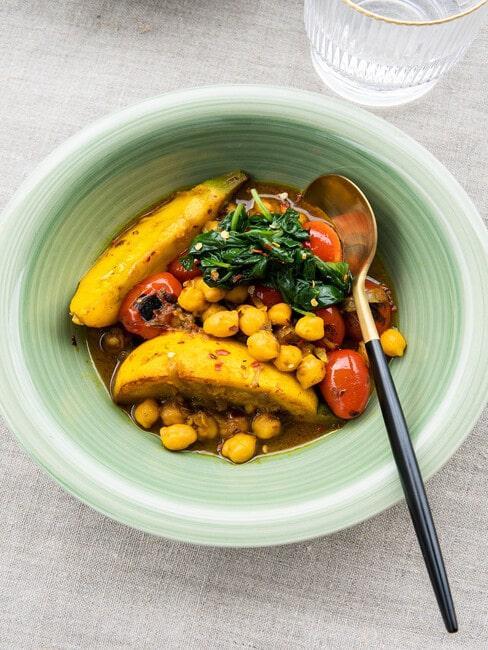 Zdjęcie wegańskie potrawki z ciecierzycą według pzrepisu Rozkosznego