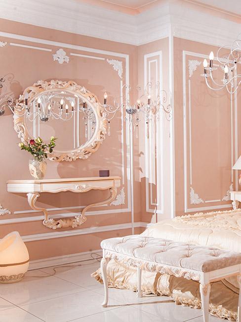 jasnoróżowa sypialnia w stylu rokoko