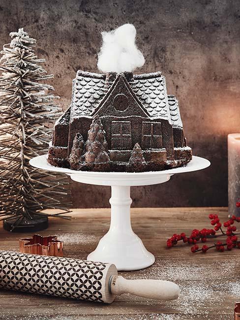 Piernik w kształcie domu na paterze