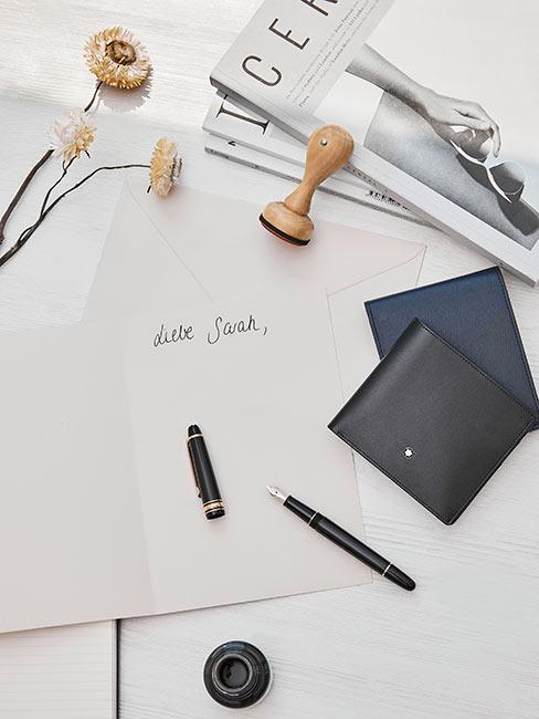 biała kartka na której ktoś zaczął pisać list