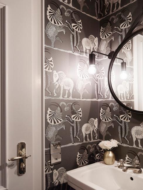 Oryginalne kafelki w łazience w kolorze czarnym z białym afrykańskim wzorem