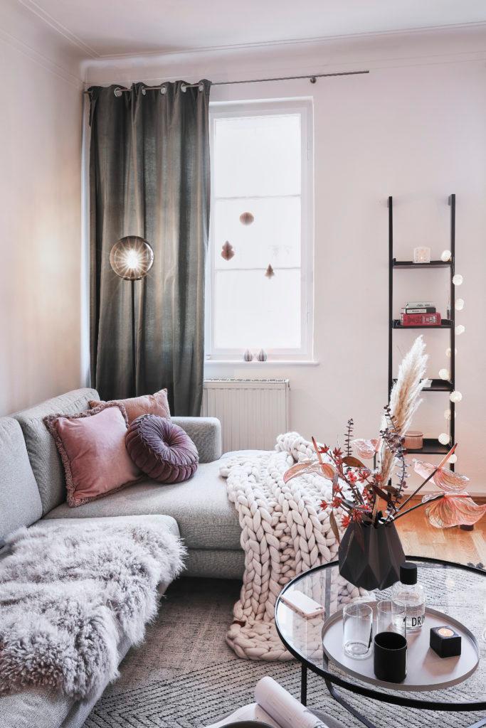Ako zariadiť obývačku závesmi