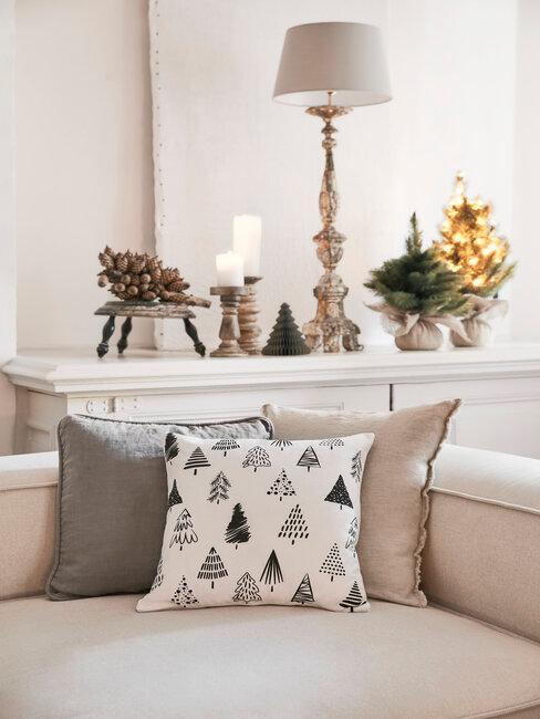 Obývačka vo vidieckom štýle s nábytkom v bielej farbe