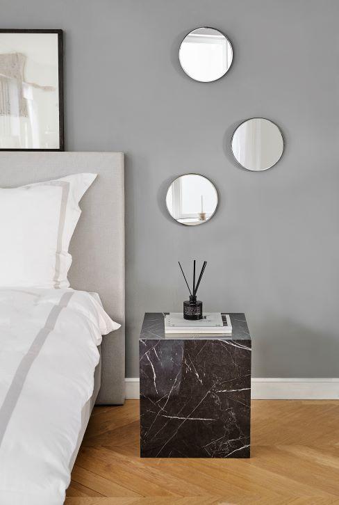 Neutrálna farba steny v spálni
