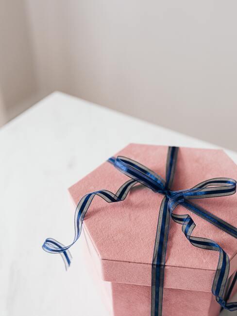 darček pre ňu škatuľka s mašličkou